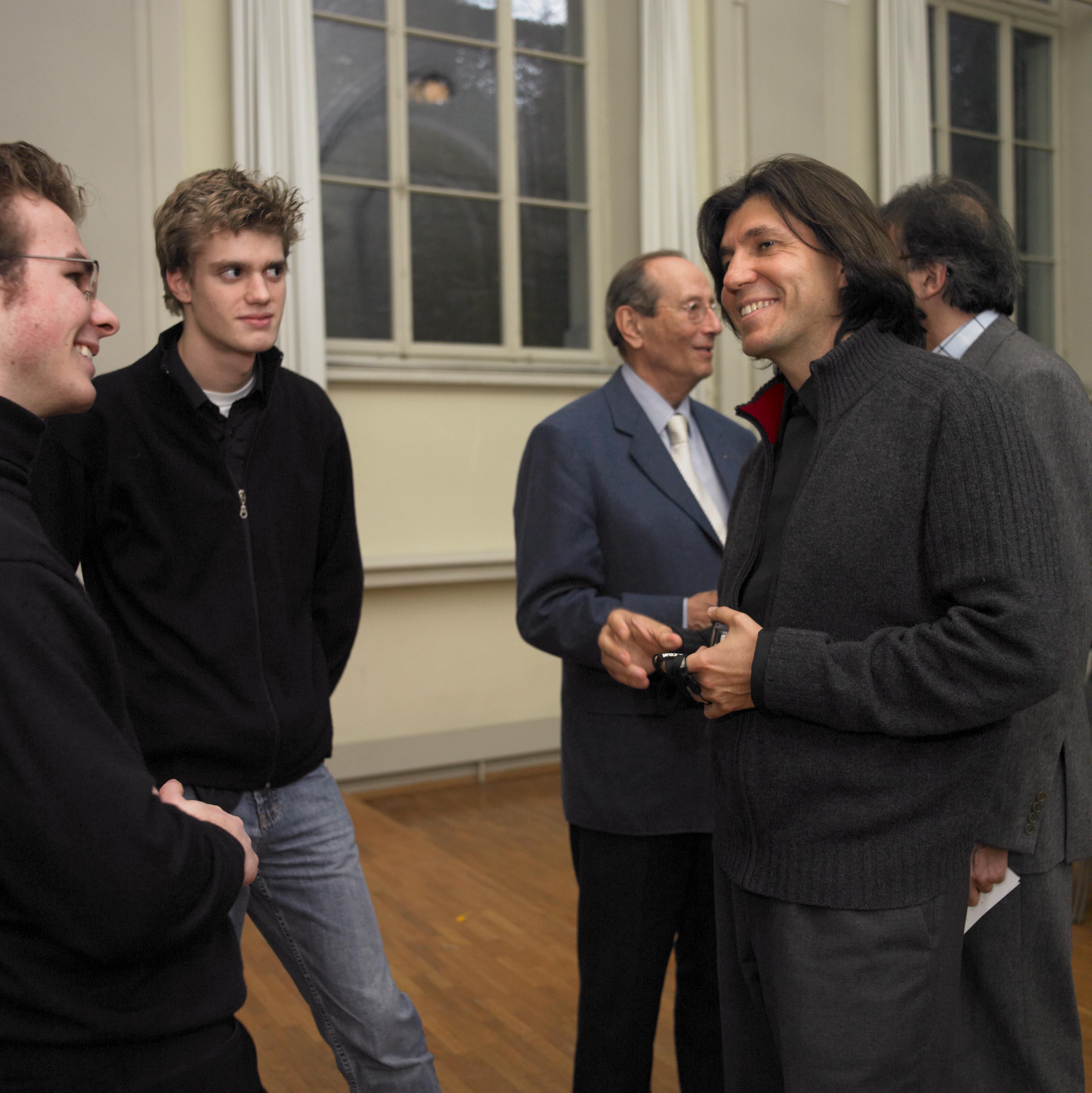 Rahn Musikpreis 2006 vlnr: Benjamin Nyffenegger, Lionel Cottet, Richardo Castro, im Hintergrund Hans-Konrad Rahn