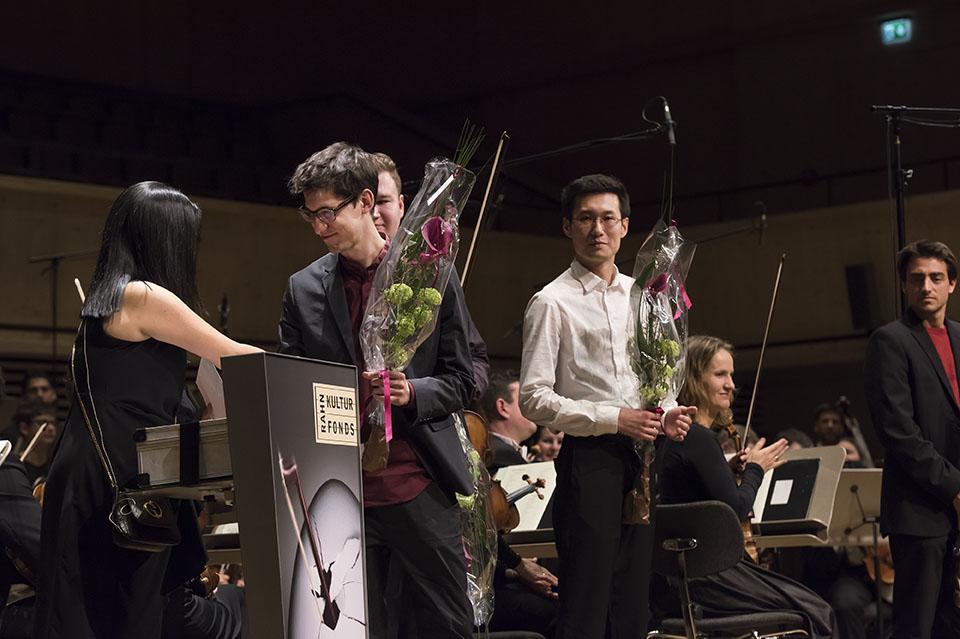 Preisübergabe - Manuel Nägeli, 3. Preis Viola