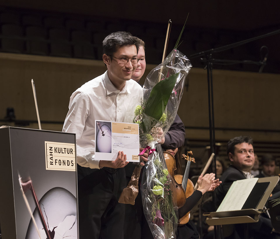 Preisübergabe - 1. Preisträger Zhixiong Liu